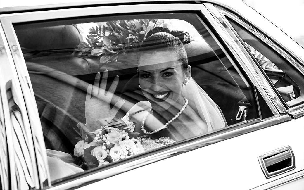 partenza auto sposa